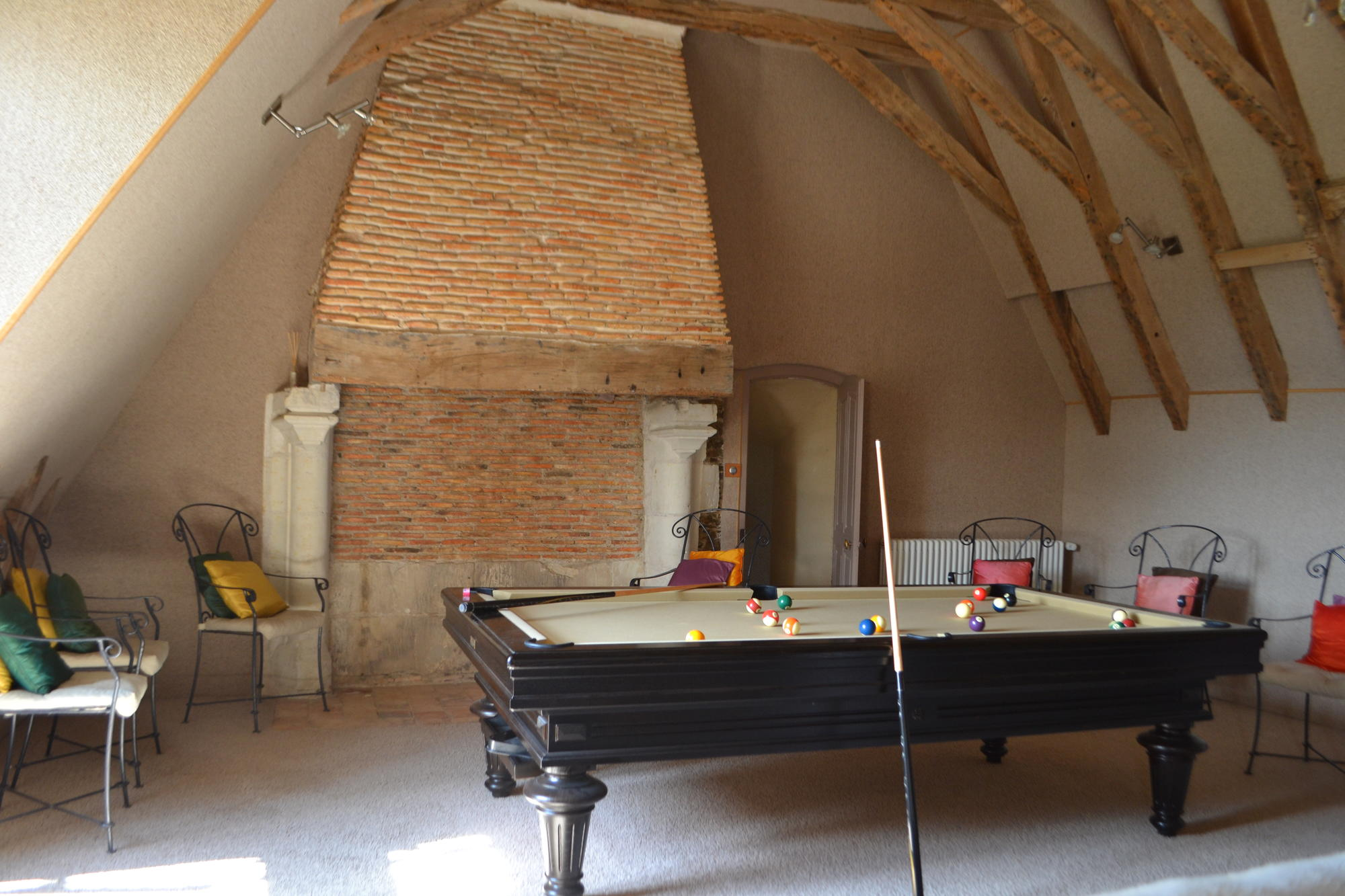 snooker pool home cinema chateau epinay